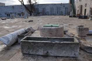 Sarcophagus on Haram_037