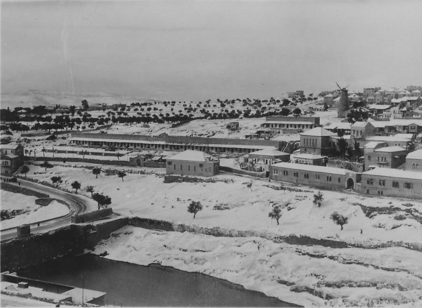 Yemin Moshe in snow 1920
