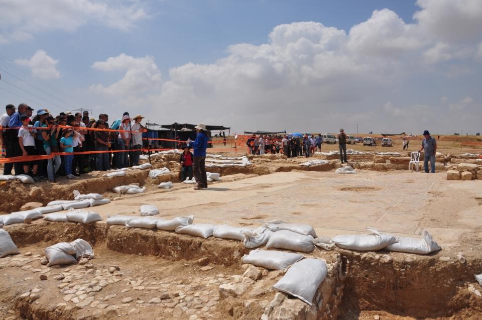 Bet Qama excavation