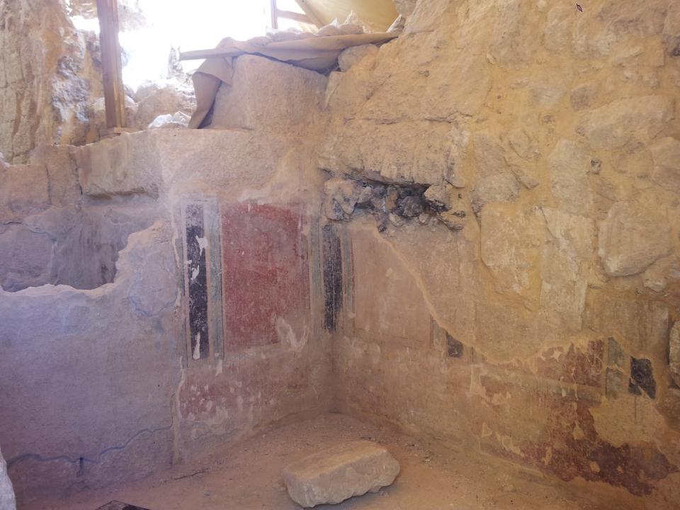 Herodium frescoes in staircase