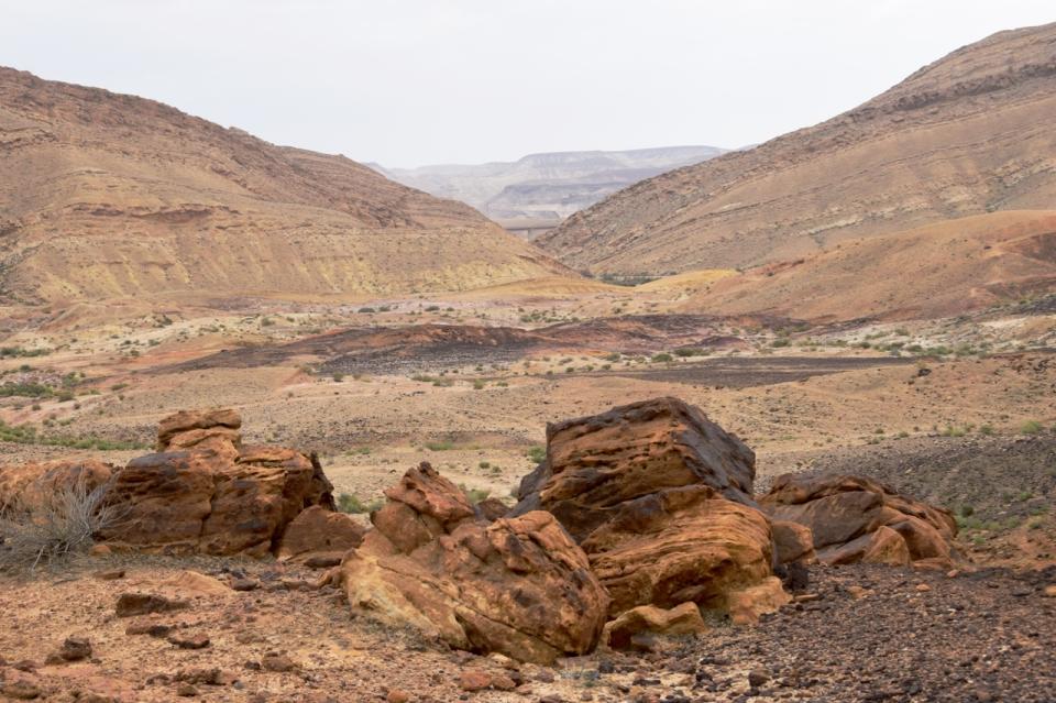 makhtesh-exit